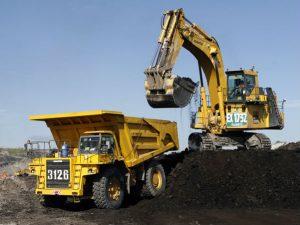 Kegiatan penambangan batubara PT Adaro Indonesia.