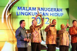 Proper Emas 2012