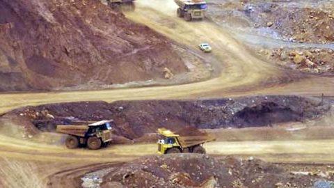 Kementerian ESDM Cabut Izin Ekspor Empat Perusahaan Tambang Nikel dan Bauksit