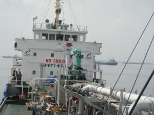 Kapal pemasok High Sulfur Diesel (HSD) produksi Pertamina.
