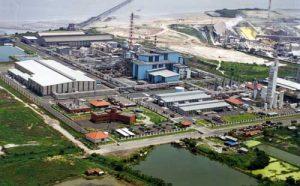 Smelter pengolahan bijih tembaga PT Smelting Gresik di Jawa Timur.