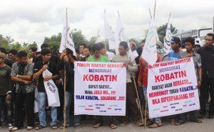 Demo masyarakat Bangka-Belitung menolak perpanjangan kontrak Koba Tin.