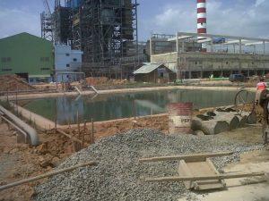 PLTU mulut tambang yang dibangun Adaro di Tanjung saat masa konstruksi.