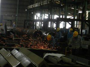 Suasana kerja di PT Cilegon Fabricators (PTCF).