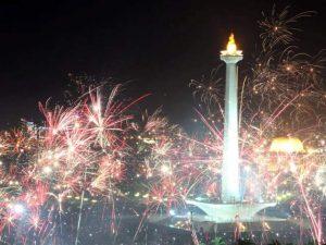 Perayaan malam tahun baru di Jakarta.