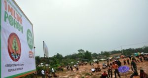 Aksi menanam 10.000 pohon PT Pertamina EP Asset 5 Field Sangasanga di wilayah kerja Samboja.
