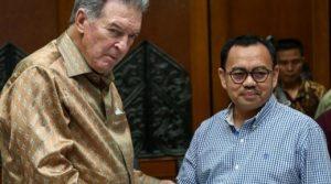 Moffet bersama Menteri ESDM Sudirman Said beberapa waktu lalu.