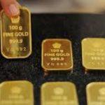 Harga Emas Melemah Dipicu Penguatan Dolar AS