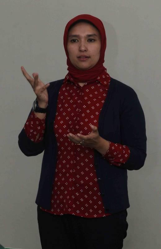 Wawancara DR Risna Risnawaty: Perlu Kesungguhan dalam Pelaksanaan CSR untuk Dapat Proper Emas