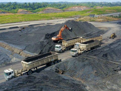 Pandemi Corona Tak Halangi Revisi UU Minerba, Pesanan Enam Perusahaan Batu Bara Raksasa?