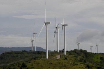 Kondisi Keuangan PLN Berdampak pada Pengembangan Energi Terbarukan