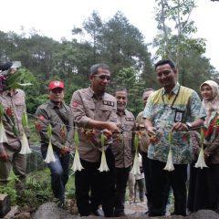 Komitmen terhadap Lingkungan, Pertamina EP Subang Lepasliarkan Keluarga Owa Jawa