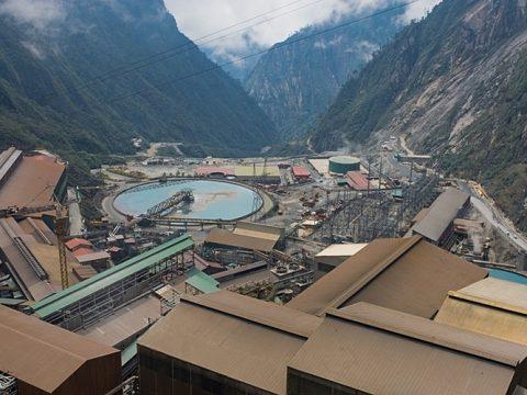 Bangun Smelter, Freeport Jajaki Utang dari 15 Bank