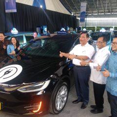 Pertama di Indonesia, Bluebird Luncurkan Armada Taksi Bertenaga Listrik