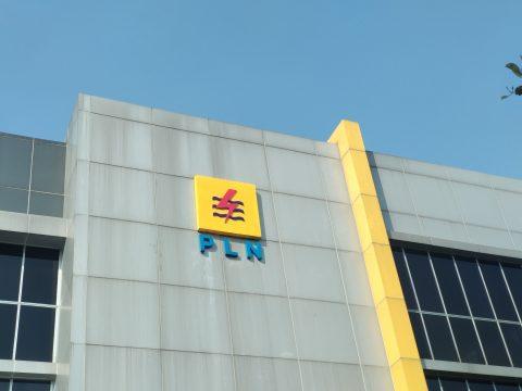 Beri Kompensasi ke Pelanggan, Gaji Pekerja PLN Dipotong