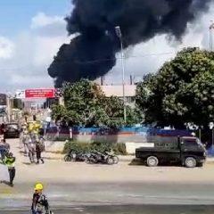 Area Kilang Balikpapan Terbakar