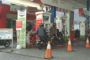 Bayar BBM Lebih Mahal, Rakyat Berhak Tuntut Ganti Rugi Rp13,75 Triliun