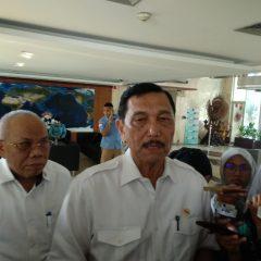 Panggil Menteri ESDM dan Pertamina, Luhut Minta Proyek Kilang Dipercepat