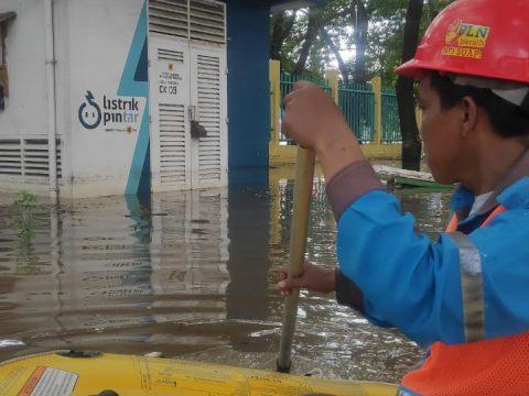 PLN Padamkan Sejumlah Wilayah Terdampak Banjir