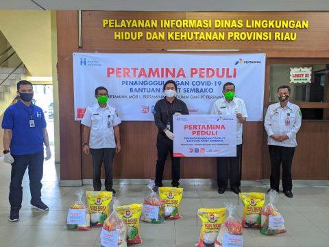 Bersama Pertamina Peduli, Pertagas Salurkan Sembako di Riau